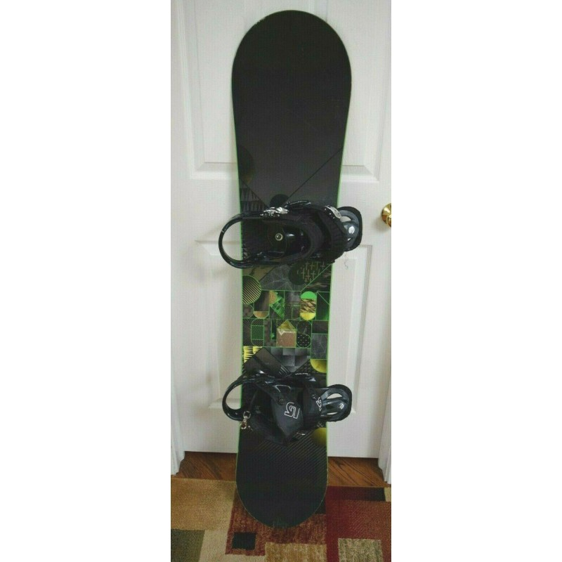 BURTON CLASH SNOWBOARD SIZE 140 CM WITH BURTON MEDIUM BINDINGS